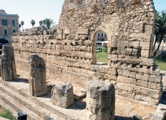 Temple of Apollo in polis Syracuse.