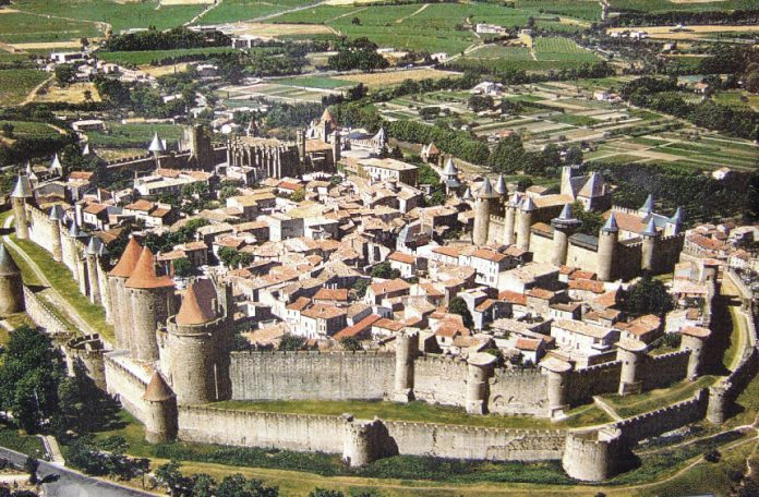 comparing catalhoyuk pompeii and carcassonne This will make a difference in comparison with more traditional all-smooth  visualizations 8 serve layered, with a clear distinction between.