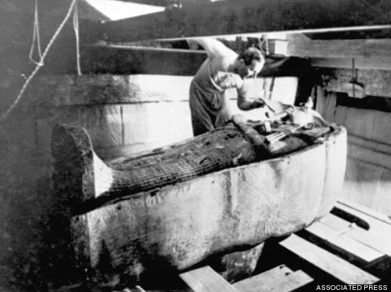 Howard Carter inside Tutankhamun tomb