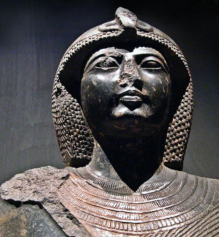 Ramses II statue.