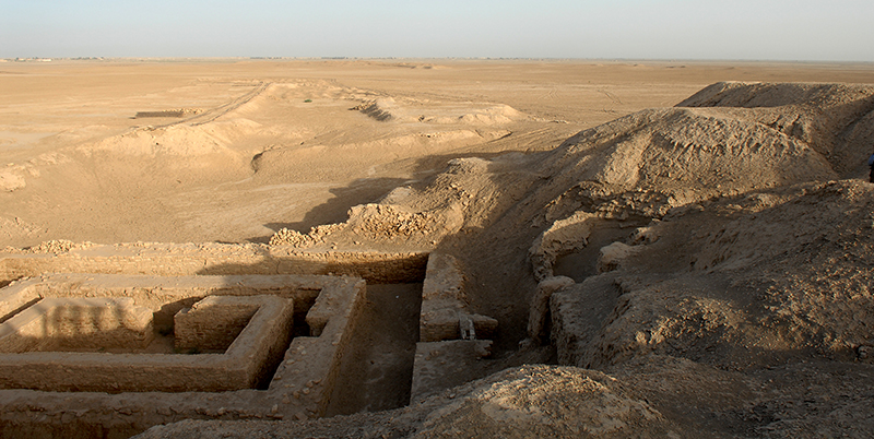 Uruk Archaealogical site at Warka Iraq. Picture from: www.defenceimagery.mod.uk